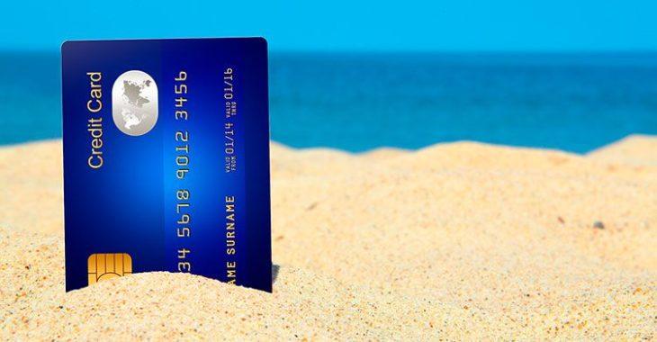 9 tips som sparer deg for mange penger når du bruker kredittkortet på reise
