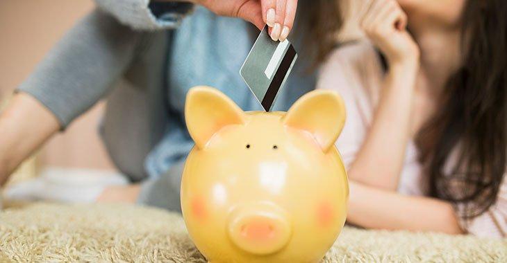 Du kan spare mange tusen kroner i året med kredittkortet. Slik gjør du det.