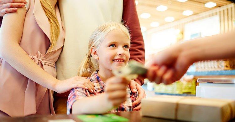 Barn og penger: 6 Ting barn bør få betale selv – De vil takke deg senere